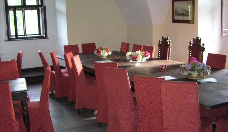 Tafeln im Schloss