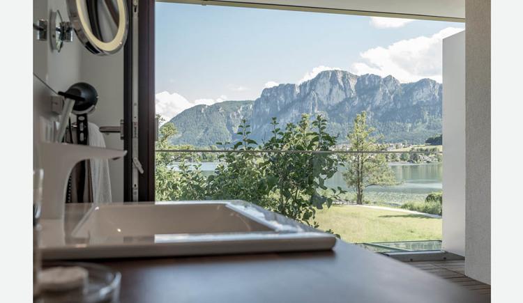 Waschbecken, Blick auf die Terrasse, Landschaft, See, Berge