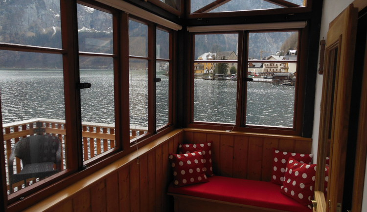 A cozy reading area with wonderful views of the World Heritage town of Hallstatt.