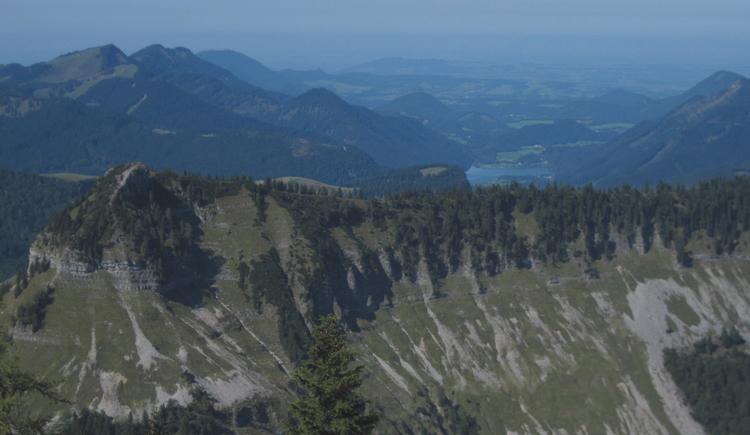 Holzeck mit Blick auf den Hintersee (© Gisbert Rabeder)
