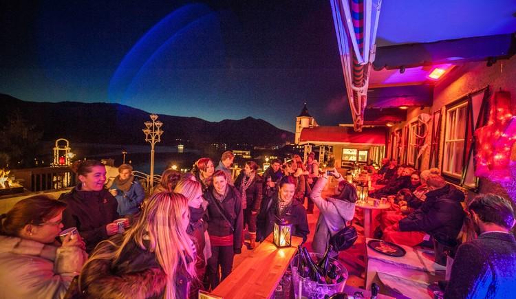 Paul´s Winterlounge mit Livemusik auf der Seeterrasse. (© Paul der Wirt)
