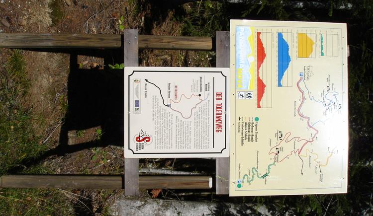 An overview map of the Toleranzweg in Bad Goisern, where you also pass the Schwarzenbachloch. (© Barbara Moser)