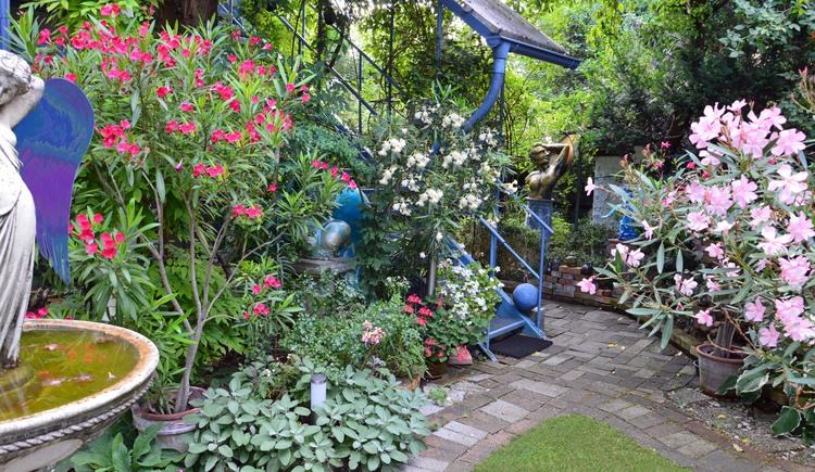 ...im Garten der Engel (© Sarena de Rechenberg)