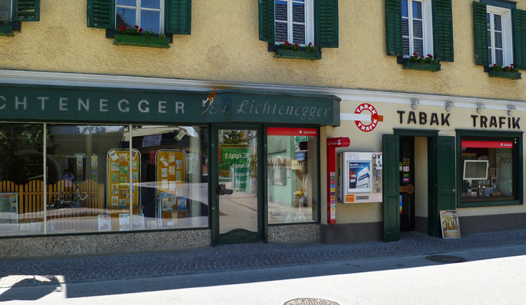 The tobacconist is located in the center of Bad Goisern on Marktstraße