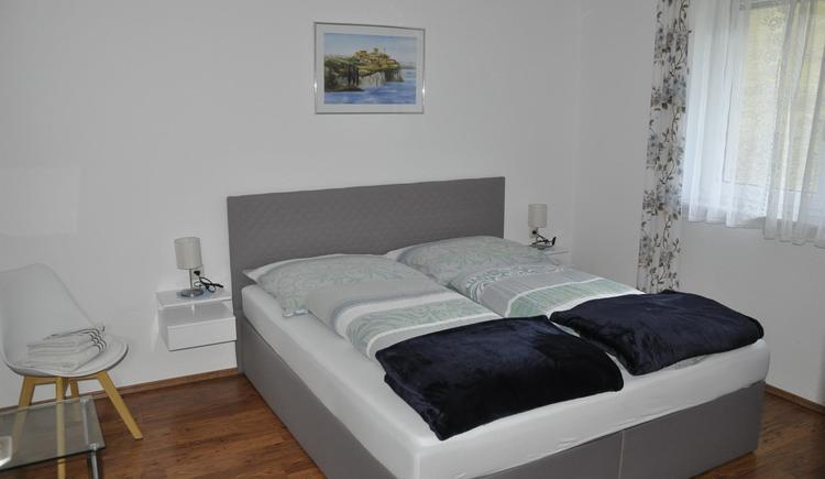 Doppelzimmer blau neu (© Ferienwohnung