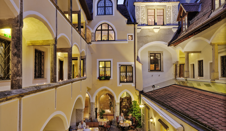 Innenhof (© Hotel Mader)
