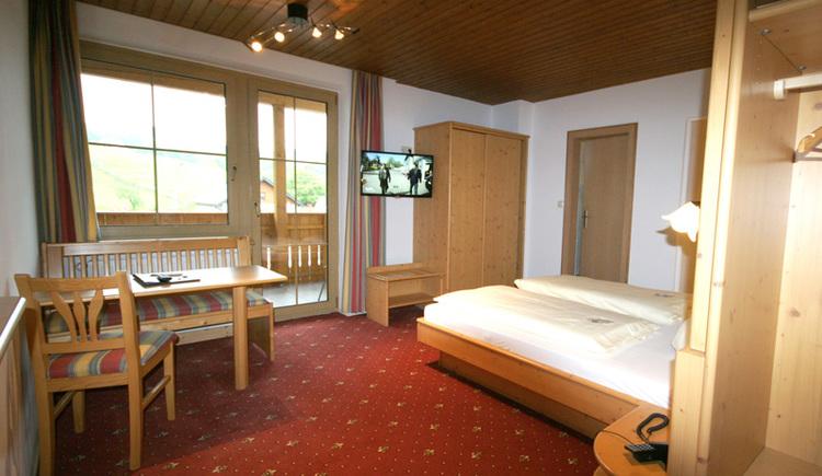 Schlafzimmer mit TV Gerät
