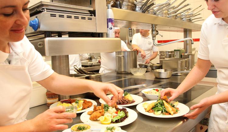 Küche. (© Konditorei-Kaffee Zauner GmbH & Co KG)