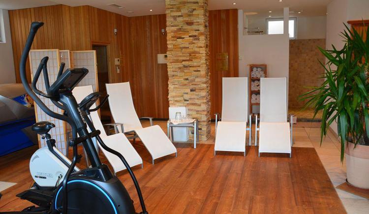 Wellnessraum mit Sauna, Infrarotkabine (© Wesenauerhof)