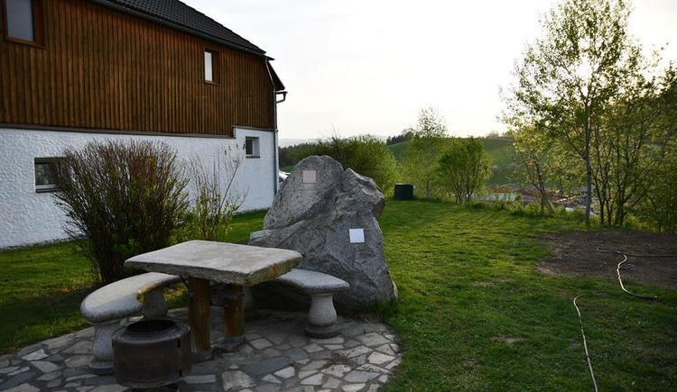 idyllisches Platzerl im Garten (© Privat)