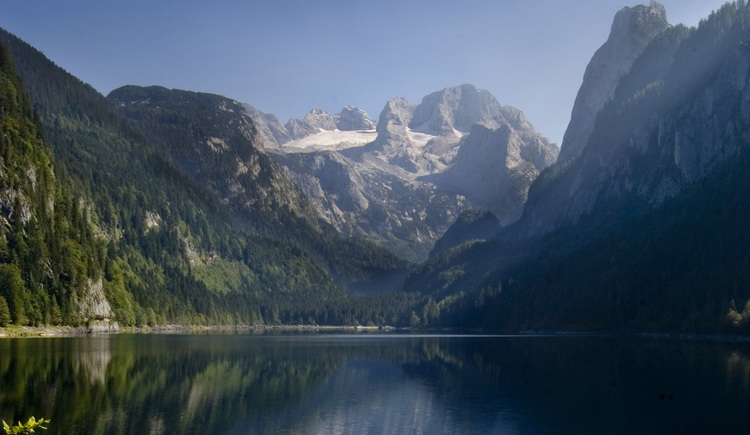 View from lake Gosasee to the Dachstein. (© OÖ Tourismus)