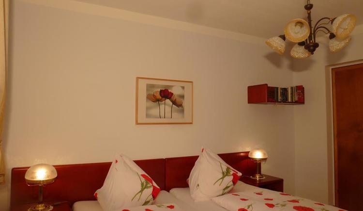 Bedroom 1_P1050537 (© Apartment Heidelinde)