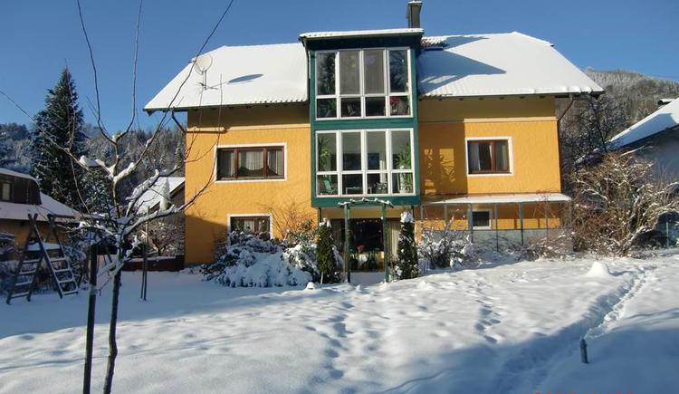 Winter Blick zum Haus (© anni)