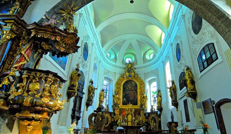 Pfarrkirche Altmünster Altarraum