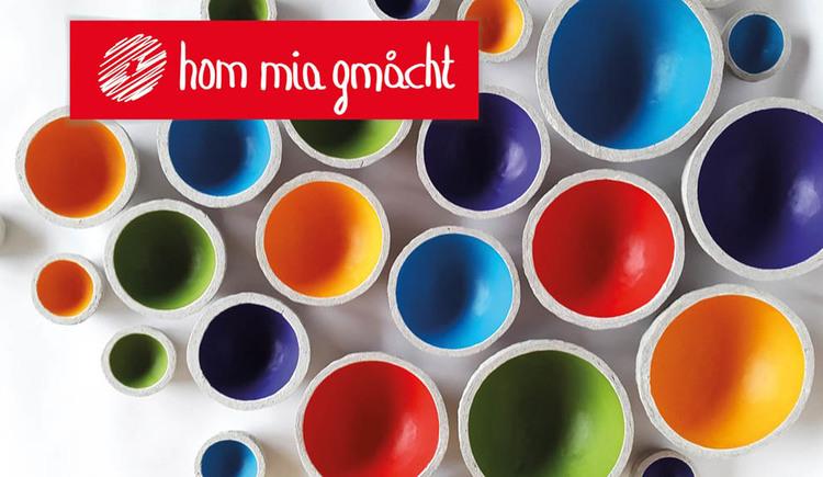 many coloured bowls