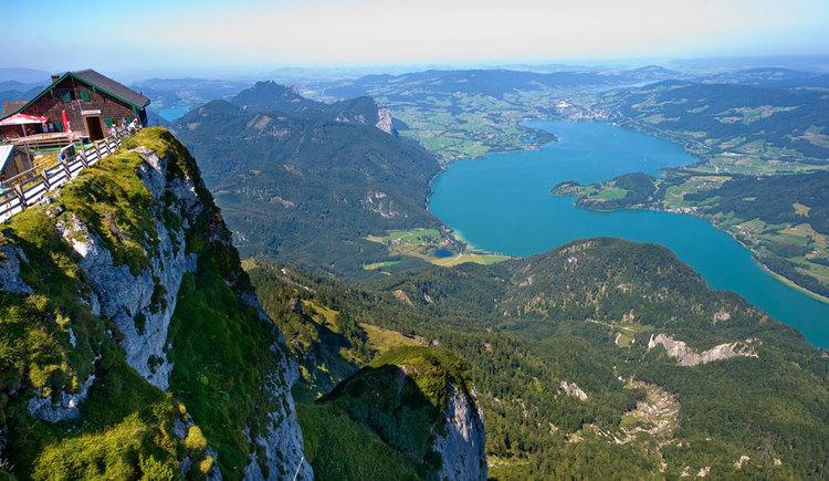Aussicht vom Schafberg auf den Mondsee. (© www.shutterstock.com)
