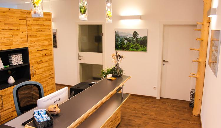 Eingangsbereich Zahnheilkunde Luger in Bad Goisern