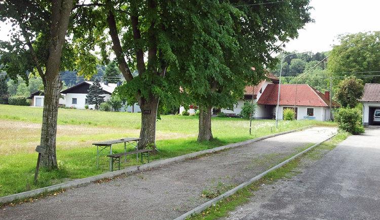 Franzi's Imbiss Stube in Feldham bei Vorchdorf - Knittl und Eisstockbahn