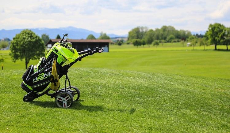 (© golfclub)