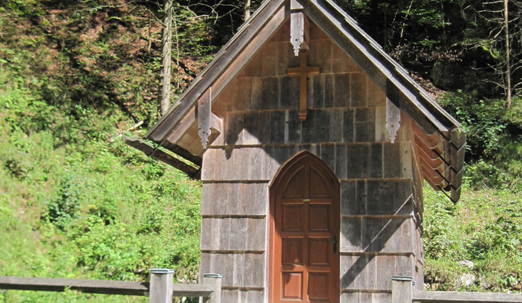 On this hiking trail you will also cross the chapel in the Koppenschlucht.