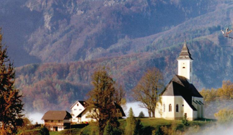 Gasthaus Georgenberg mit Kirche. (© Zur Verfügung gestellt von Familie Hebesberger)