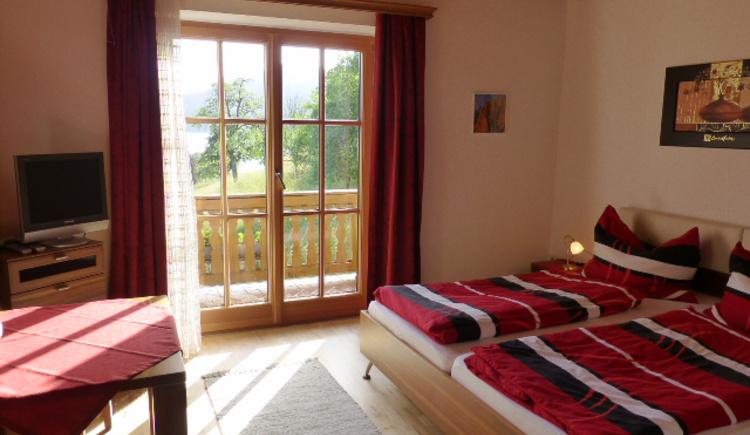 Doppelzimmer mit Balkon Haus Gertraud Reichl Steinbach am Attersee