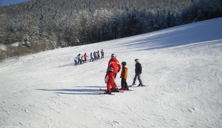 Learn skiing at the ski lift Schmiedhorn (© Schmiedhornlift Faistenau)