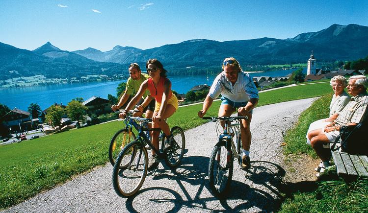 Radfahren am See (© Kloibergütl)