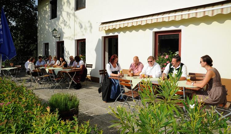 """Gasthaus \""""zum Vogelparadies\"""", Kirchdorf, Gastgarten"""