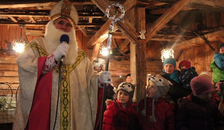Nikolaus am Adventmarkt