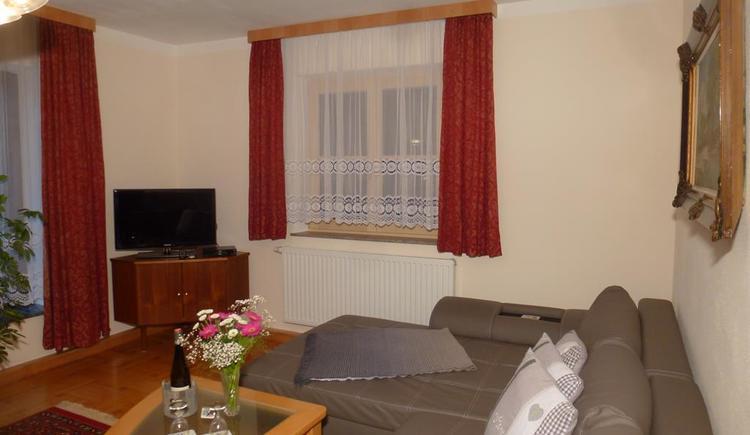 Wohnzimmer_P1050569 (© Apartment Heidelinde)