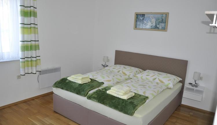 Doppelzimmer grün neu (© Ferienwohnung