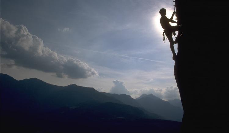 The Wildkar via ferrata offers a special climbing experience. (© Ferienregion Dachstein Salzkammergut / Viorel Munteanu)