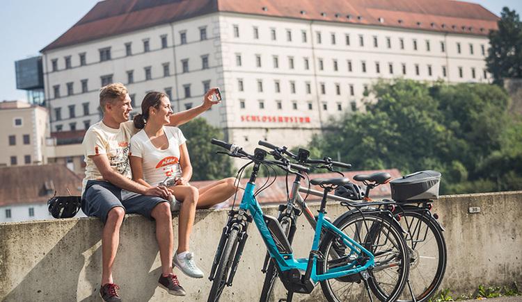 E-Bike Radtour am Donauradweg bei Linz (© KTM Fahrrad)