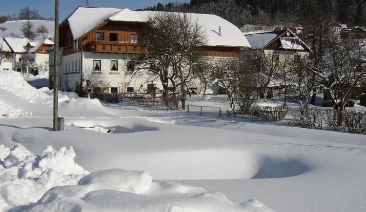 Hausansicht im Winter
