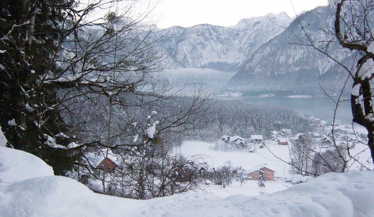 Herrliche Winterlandschaft mit dem Hallstättersee