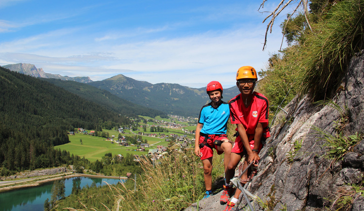 The kids and teenager via ferrata with wonderful view over the valley of Gosau. (© Elisabeth Grill)