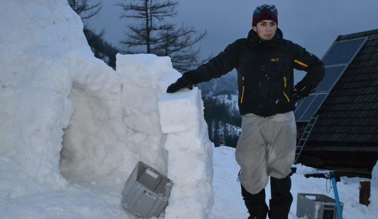 iglu-bauen (© Abenteuer Management)