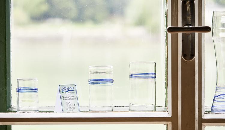 Glas-Linie `blue danube wave`, spirit-of-glass, Aschach. (© WGD Donau Oberösterreich Tourismus GmbH-Peter Podpera)
