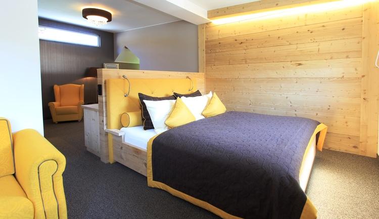 Unsere neu renovierten Ammonitenstudios bieten einen unvergesslichen Ausblick auf den Gosaukamm! (© Hotel Sommerhof e. U.)