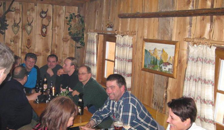 Hüttengaudi in der Schlittenhütte Faistenau
