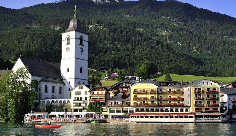 Traditionshotel direkt am Wolfgangsee. (© Romantik Hotel Im Weissen Rössl)
