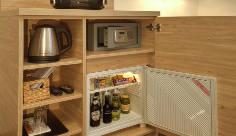 Einzelzimmer, Kühlschrank (© Eberl)