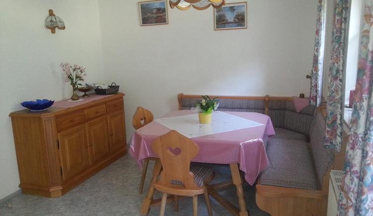 Dining area in the kitchen (© Ferienwohnung Anna & Wilhelm Ebner)