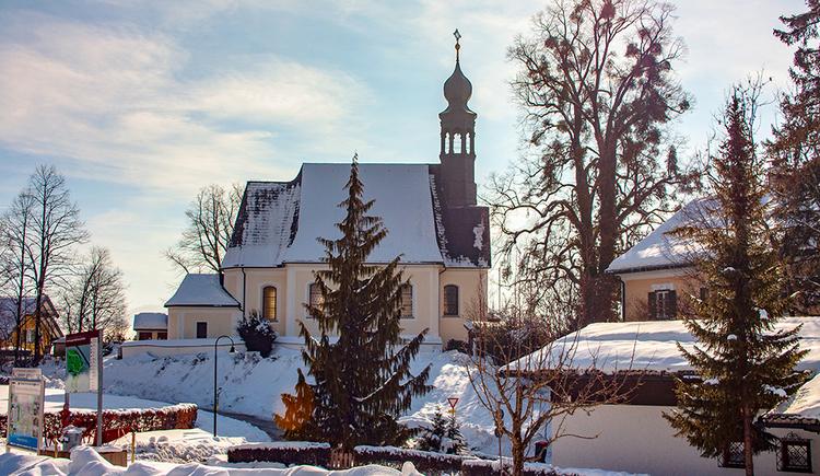 Hilfbergkirche im Winter (© © TVB Mondsee-Irrsee)