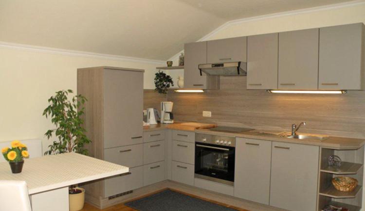 Die Küche vom Appartement im Haus Rosenwinkl bei Familie Fanninger in Strobl am Wolfgangsee