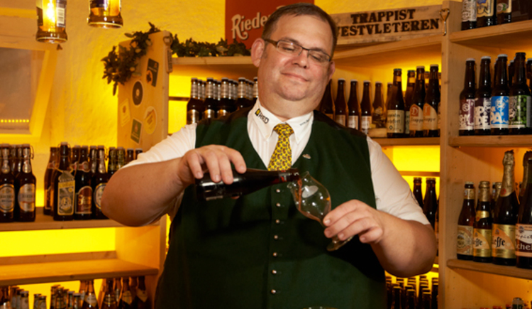eine Besonderheit der Bierregion Innviertel: Verkostungen im Bierkeller des Gasthof Riedberg durch Diplom Biersommelier Karl Zuser jun.