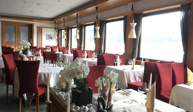 a la carte Restaurant - täglich ab 18.30 geöffnet. (© Romantik Hotel Im Weissen Rössl)
