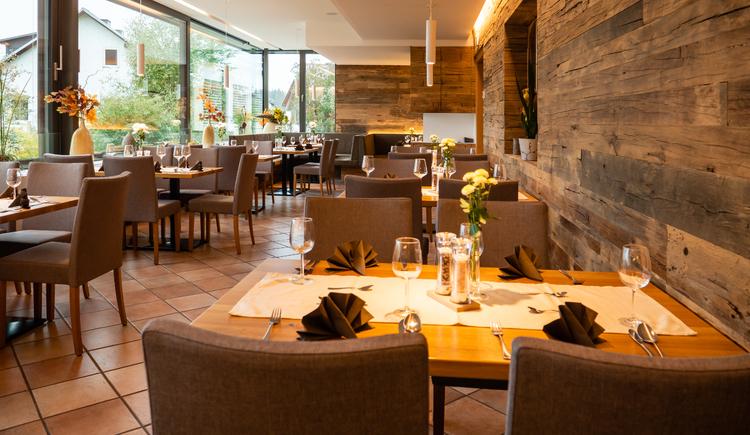 Restaurant, Wintergarten. (© Hotel Weiss)