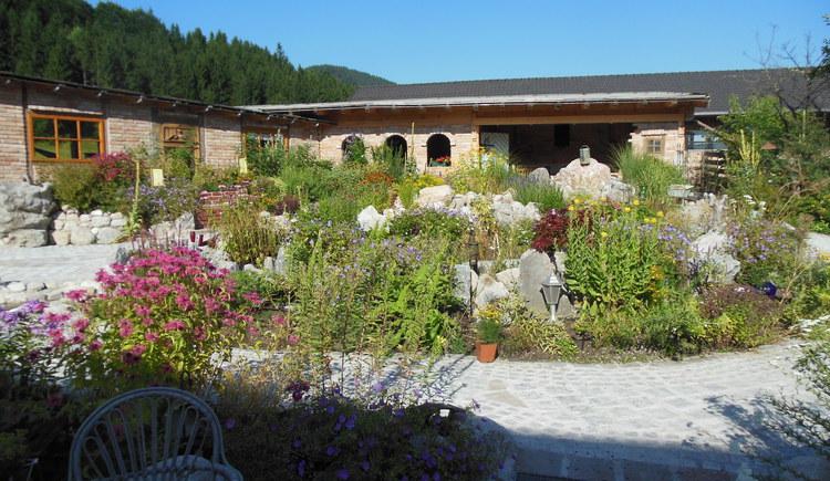 Herb garden at farm Oberhinteregg (© Erlebnisbauernhof Oberhinteregg Faistenau)